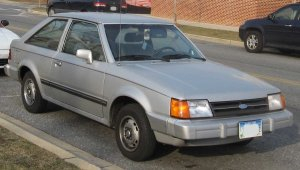 85-87_Ford_Escort_hatch